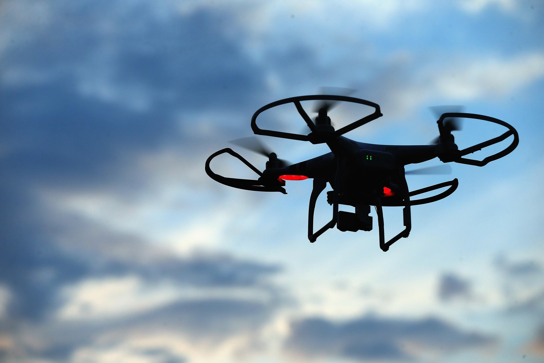 Полёт квадрокоптера с камерой