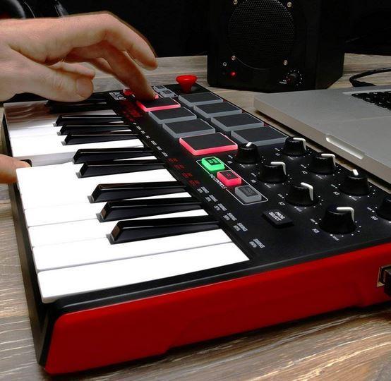 Миди клавиатура AKAI MPK mini MK2