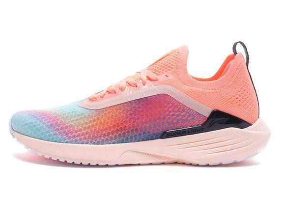 женские кроссовки для спорта
